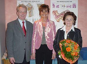 (v. links): Bürgermeister Josef Schedlbauer, Karin Kitter u. Schifferl.